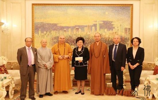 香港佛教联合会向云南鲁甸县地震灾区捐款180万港元